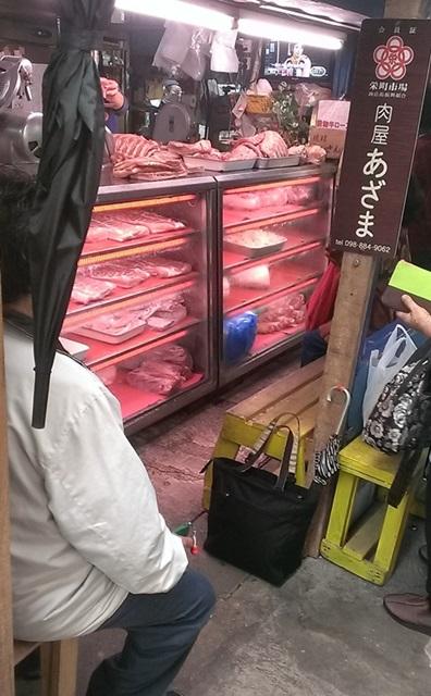 栄町市場のお肉屋さん